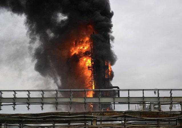 政府:20人在印尼炼油厂火灾中受伤 资料图