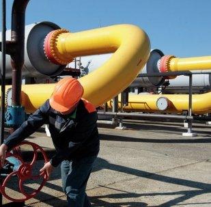 普京:全球油气需求将增长 俄国一系列投资项目需做决定