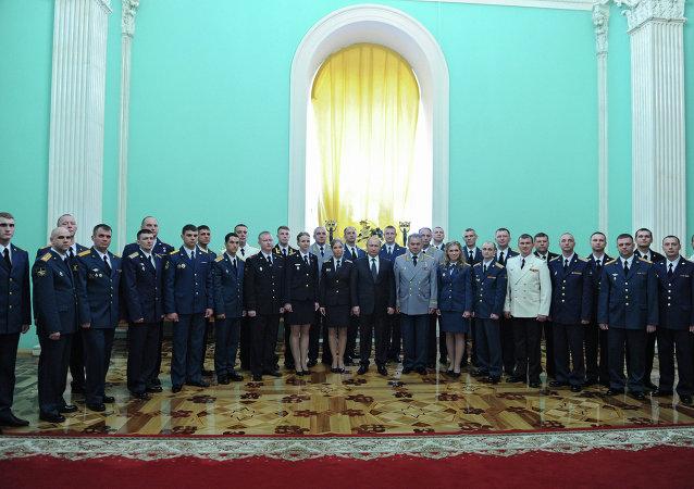 普京:俄仅寻求通过政治手段解决争议问题