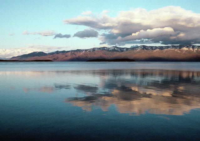 俄政府拨款12.9亿卢布保护贝加尔湖生态环境