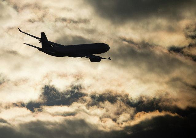 媒体:一架飞往科威特的客机发生紧急情况