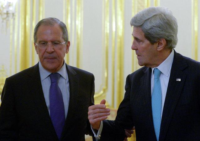 拉夫罗夫和克里在电话中讨论叙利亚问题