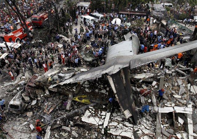 印尼空军司令:坠毁军机上的113人无人生还