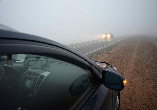 俄新交通法规要求行人在黑暗中发光