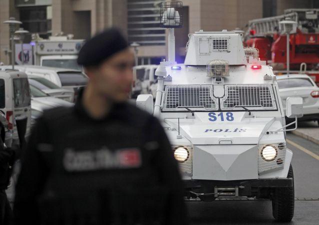 土耳其政府将紧急状态期限再延三个月
