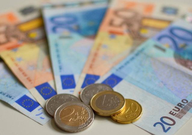 专家:俄希望吸引中国投资 但欧元债务依然优先