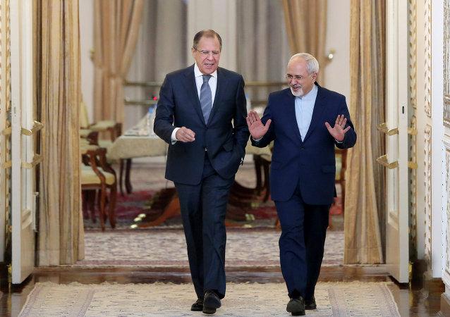 俄罗斯外长拉夫罗夫和伊朗外长扎里夫