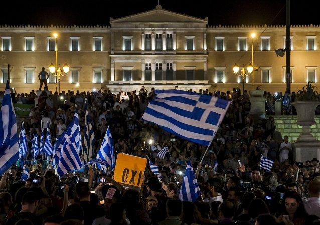 俄总统助理:莫斯科注意到希腊有意加入金砖国家开发银行的信号