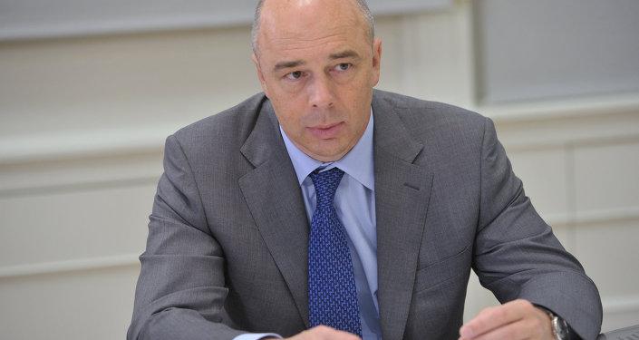 安东•西卢安诺夫