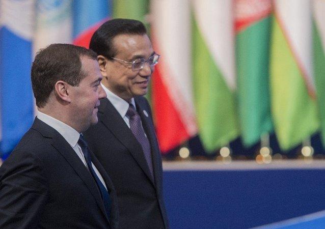 俄总理将于9月在圣彼得堡会见中国总理