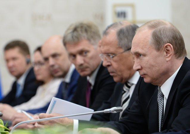 普京:金砖国家、上合组织和欧亚经济联盟将讨论如何深入欧亚空间内的互动