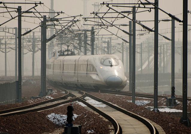 世界最長高寒地區快速鐵路將於6日全線鋪軌貫通