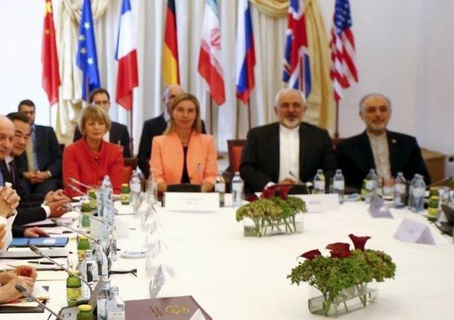 """""""六方""""在又一个最后期限结束后恢复伊朗问题会议"""