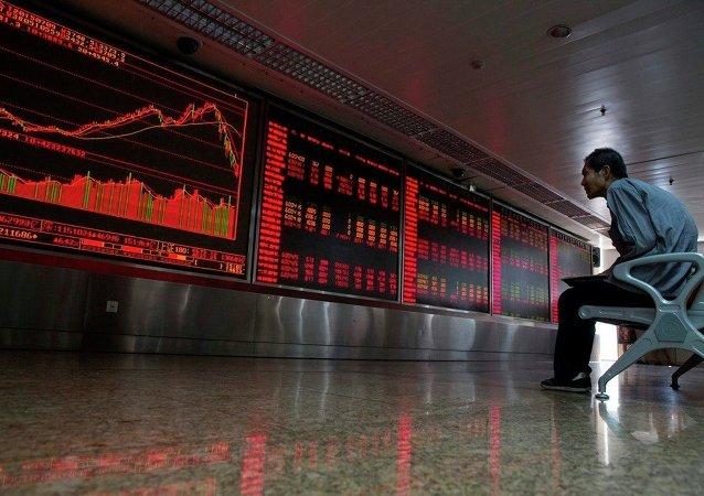 中國專家:本輪股價下行不會導致類似去年年中股災
