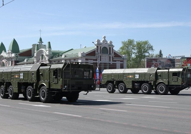 """俄中央军区导弹连首次用""""伊斯坎德尔-M""""战术导弹系统完成夜间发射"""