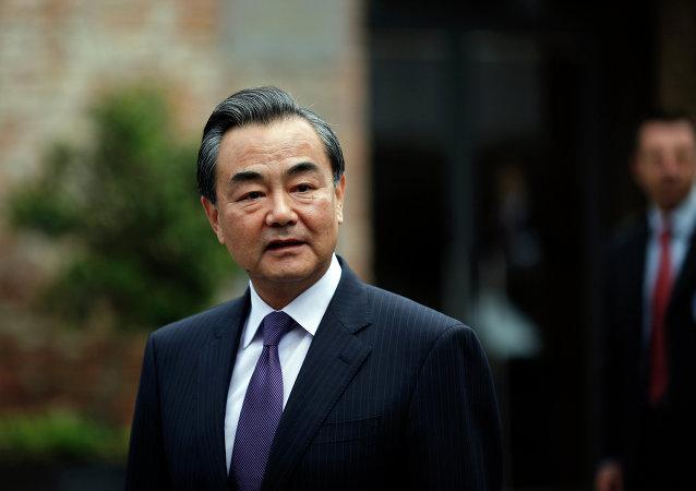 中国外长:上合组织应成为丝绸之路经济带与欧亚经济联盟对接合作的平台