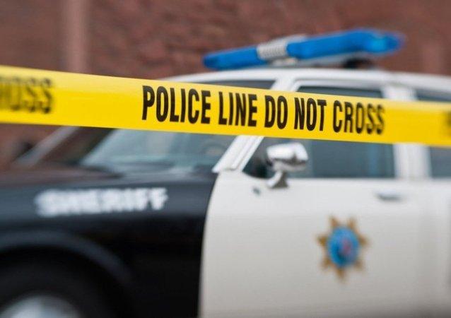西雅图市中心一辆小公共汽车冲上人行道致5人受伤
