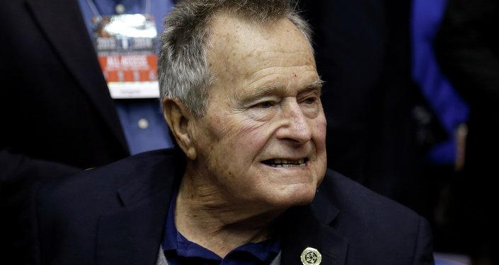 老布什摔斷頸椎 生命無礙