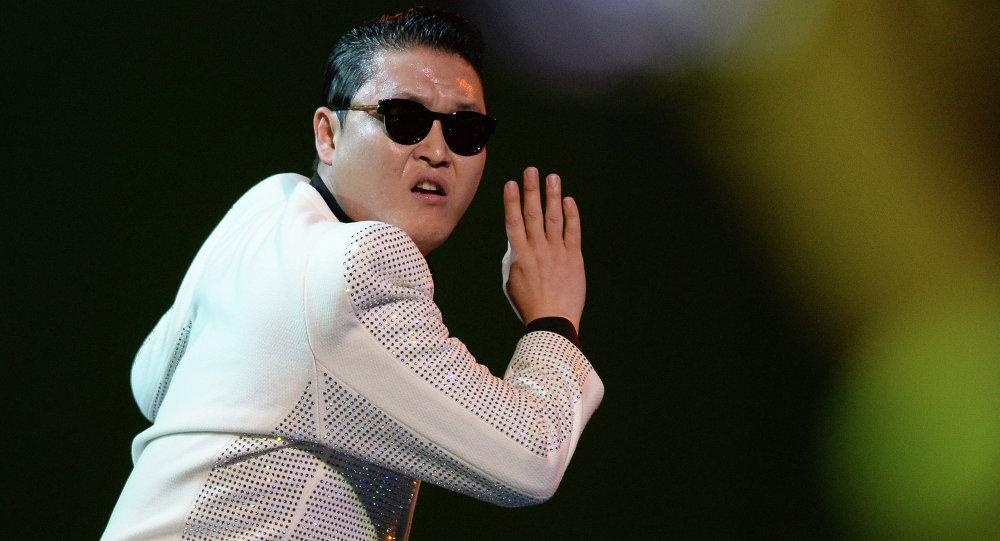 韩国歌手鸟叔在杭州遇上交通意外