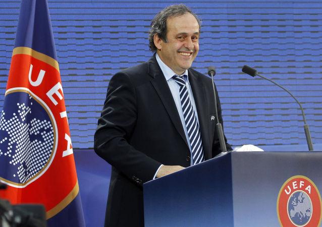 欧足联主席普拉蒂尼提出自己参选国际足联主席
