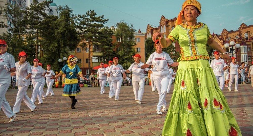 首届中俄广场舞大赛将于2017年5月至6月举行