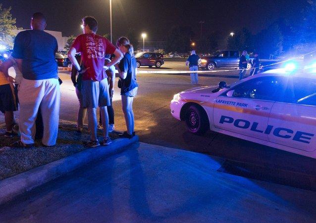 媒体:美国华盛顿不明人士枪击两名警察