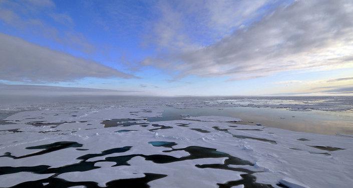北极岛屿俯视图