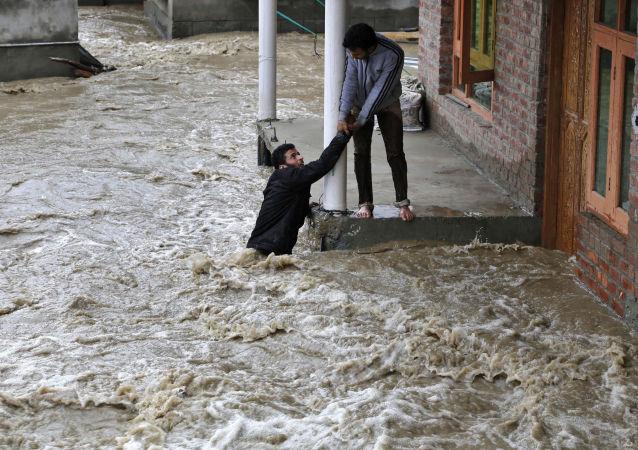 2016年印度约1600人因各种自然灾害死亡