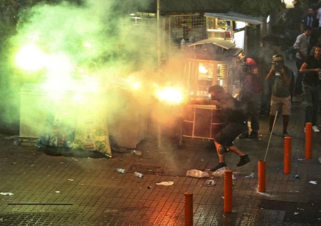 伊斯坦布尔骚乱中警察死亡人数升至2人