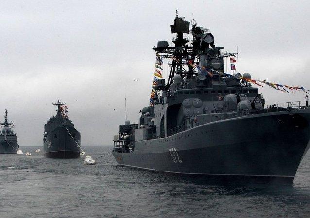 俄太平洋舰队舰艇在俄中演习后返回符拉迪沃斯托克