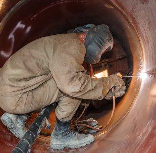 """俄阿穆尔州为""""西伯利亚力量""""管道施工者修建临时边检站"""