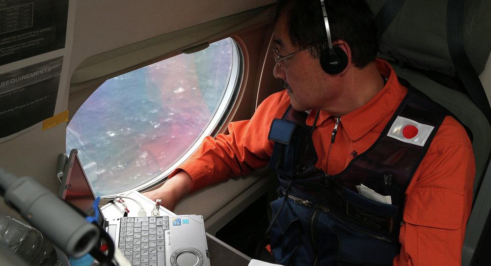 日本专家试图在印度洋找到MH370客机残骸/资料图片/