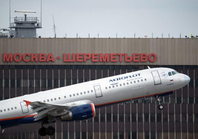 俄交通部长:2015年俄各航空公司乘客数量与去年大致相同