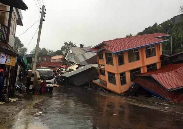 缅甸玉矿被泥石流掩埋 致5死50人失踪