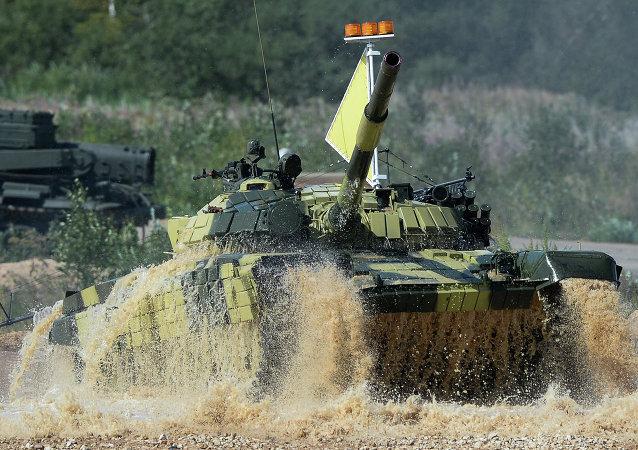 """""""坦克两项""""个人赛第二阶段3日在莫斯科州开赛"""