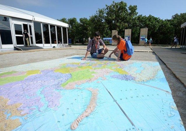 俄外交部将审议金砖国家青年旅游免签设想