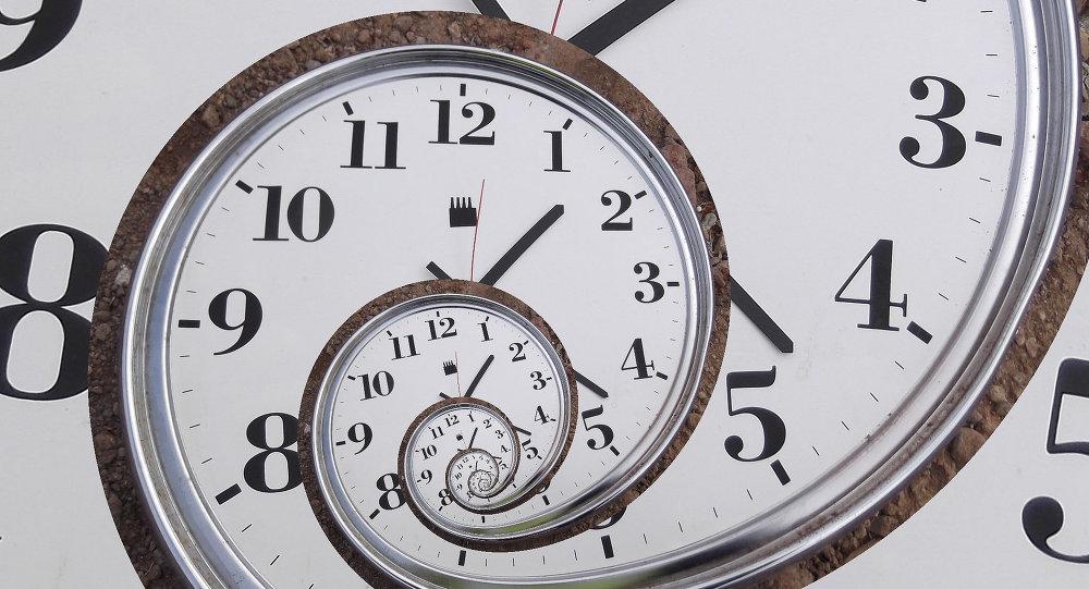 俄科学家造出只有半个火柴盒大小的超精密手表