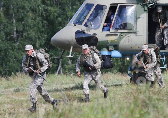 俄罗斯队在2015年国际军事比赛中暂时领先