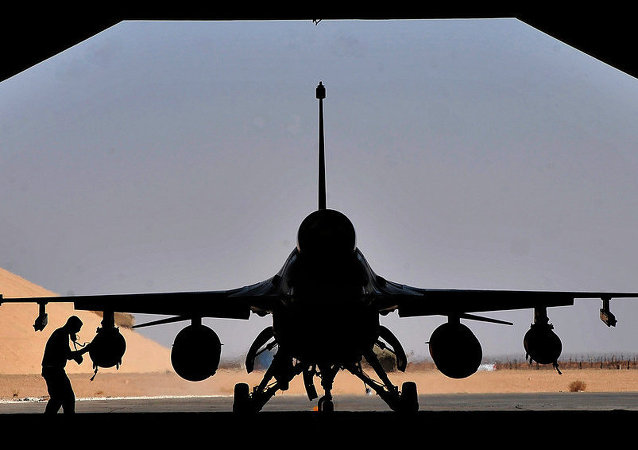 F-16歼击机