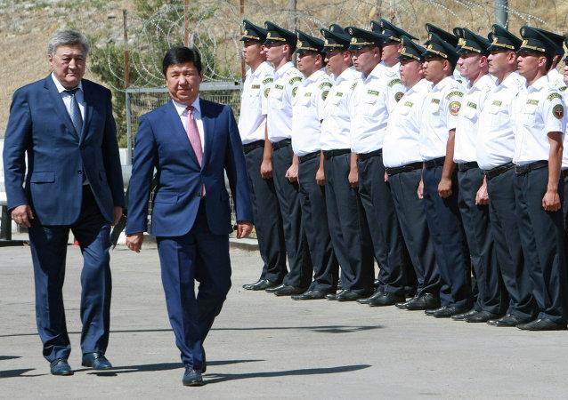 吉尔吉斯斯坦和哈萨克斯坦的边界打开