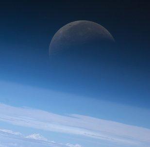 俄罗斯警告不要重审太空边界