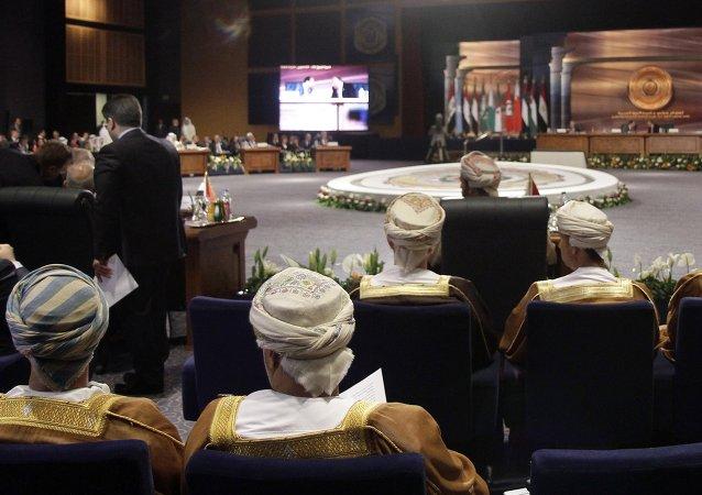 消息人士:阿盟委员会将就利比亚问题于8月18日举行会议
