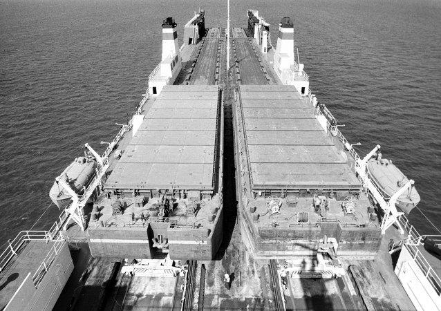 """中国输往亚太地区的货物开始从""""滨海-2""""交通走廊通行"""