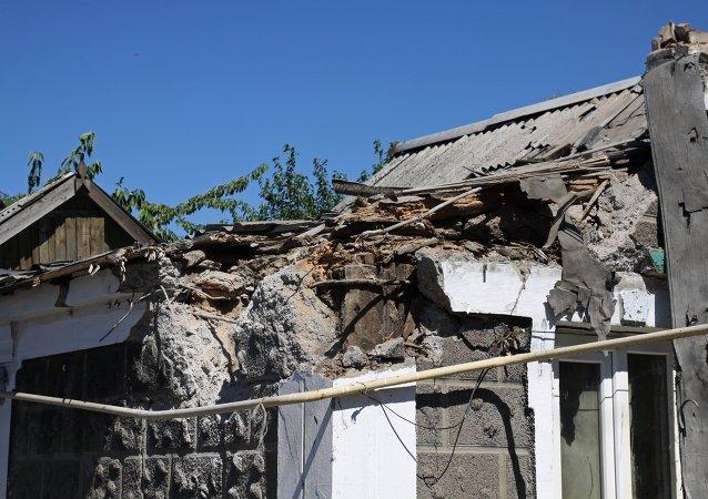 顿涅茨克国防部:顿涅茨克遭炮击致1人死亡