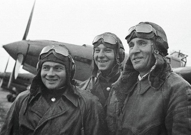 苏联飞行员 - 1945年参与解放朝鲜战争的英雄们/资料图片/