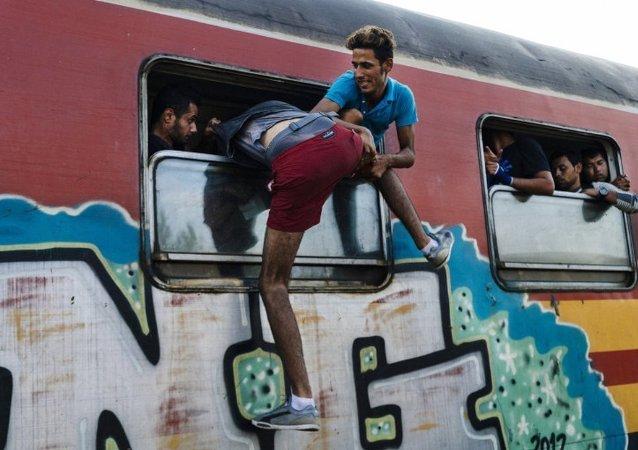 法国外长称东欧移民政策令人愤怒