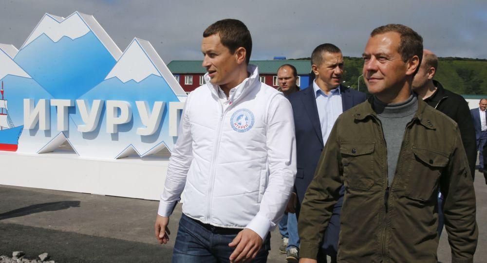俄总理梅德韦杰夫飞抵千岛群岛择捉岛(资料图片)