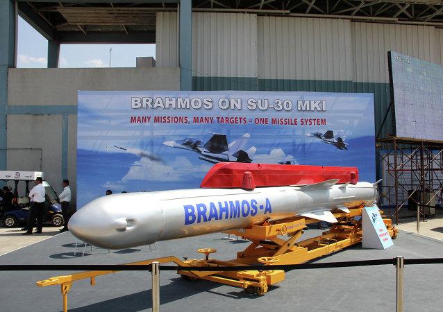 """俄印2016年或签署研发微型""""布拉莫斯""""导弹的协议"""