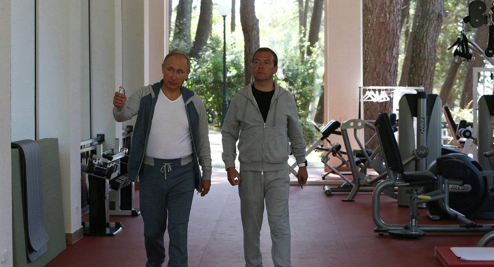 普京与梅德韦杰夫在索契共同锻炼
