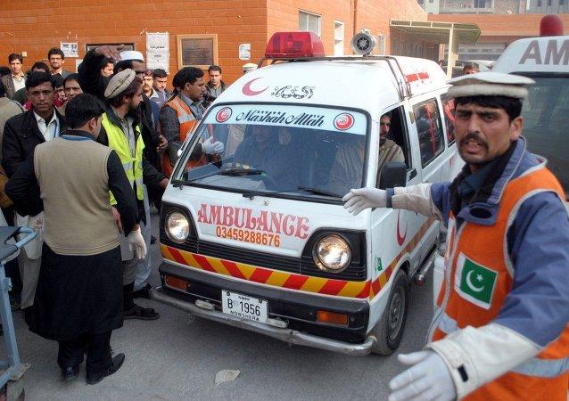 巴控克什米尔地区一客车坠入山谷致22人死亡
